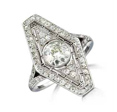 An Art Deco Diamond Ring, Circa 1915