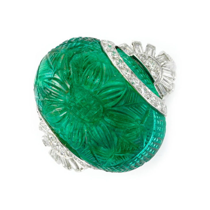 Fd gallery an art deco carved emerald and diamond ring for Objet deco turquoise
