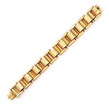 A Retro Gold Tank Link Bracelet, circa 1940