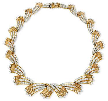 A DiamondNecklace Of Flexible Design