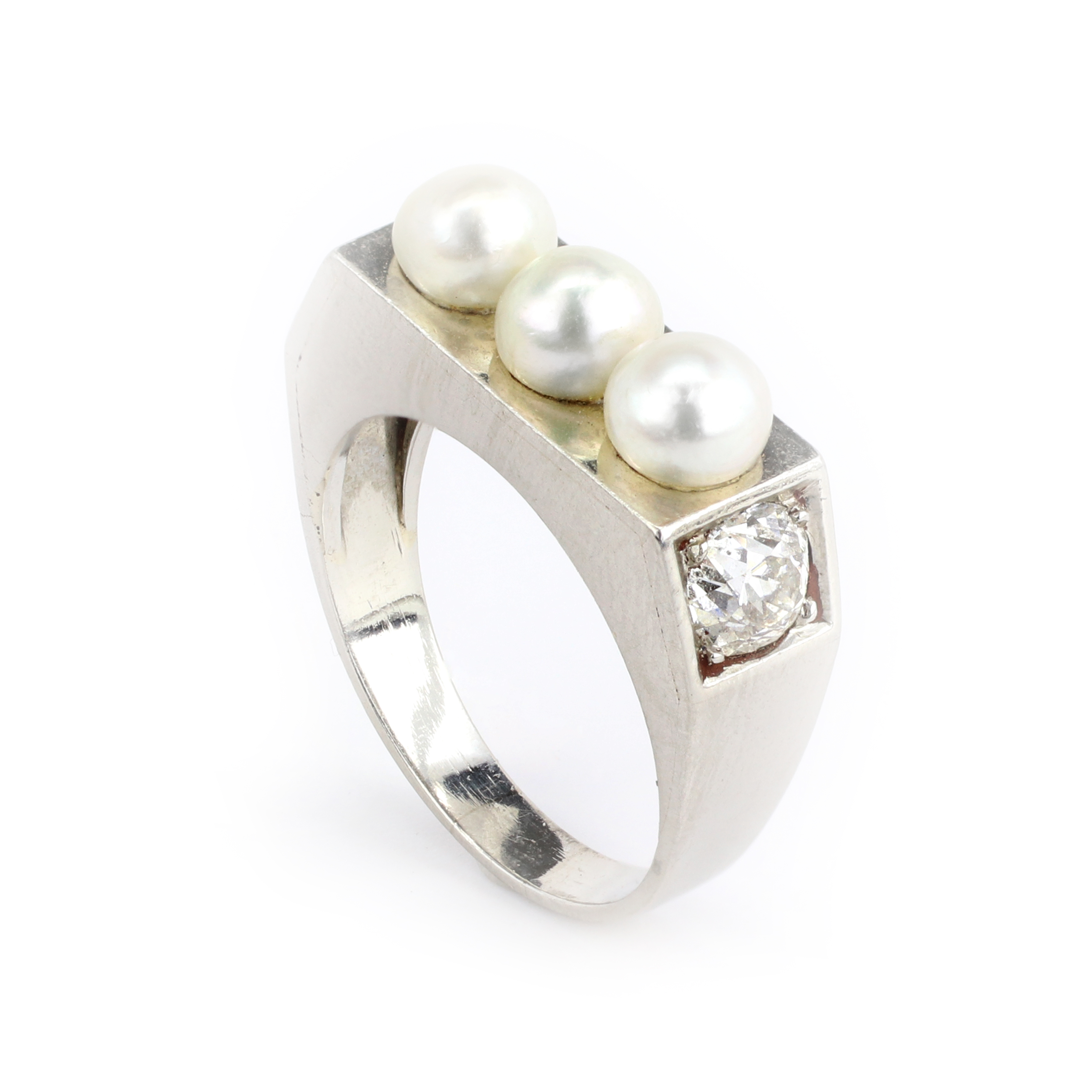 Pearl Platinum: Pearl, Diamond And Platinum Ring