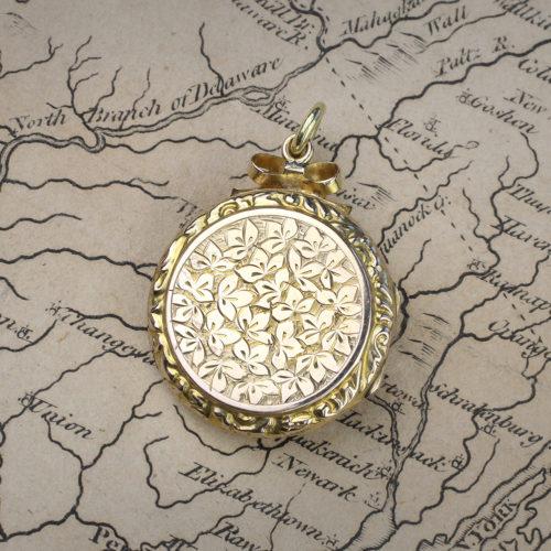 An Antique Circular Shaped Gold Locket Pendant