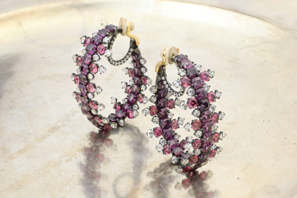 JAR Colored Sapphire And Diamond Hoop Ear Clips» Price On Request «